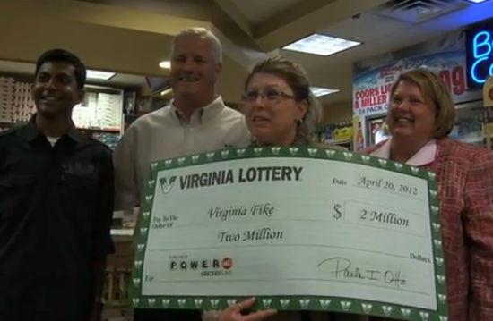 Virginia Fike, ganadora de la lotería por partida doble