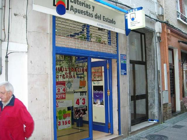 Administración de Lotería nº 2 de Luarca (Asturias)