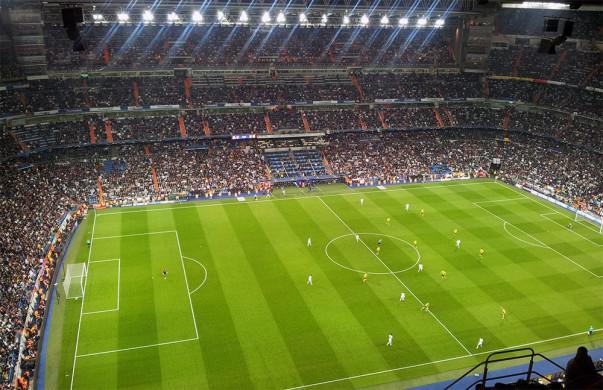 Se espera un gran ambiente en el Bernabéu para recibir al FC Barcelona | Foto: Little Savage