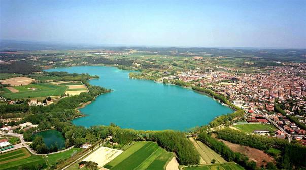 Foto: Vista aérea de l'Estany de Banyoles