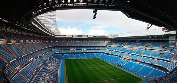 El R. Madrid recibe al Málaga en el Estadio Santiago Bernabéu |Foto: Daniel Schroeder