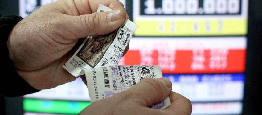 Rompe un décimo, lo compra de nuevo y gana el segundo premio de la Lotería