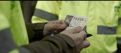 ¿Qué debes hacer si encuentras un décimo de lotería perdido?