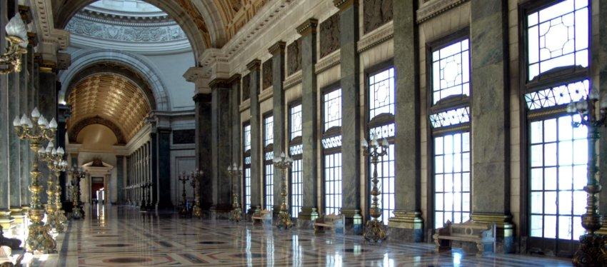El Salón de los Pasos Perdidos, lugar donde se celebrará el sorteo del 8 de diciembre. Foto: Wikimedia.