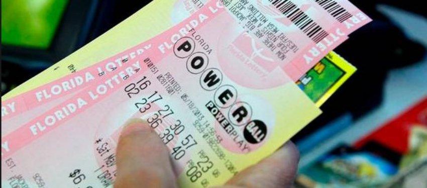 Un hombre gana la lotería tres veces en el mismo día