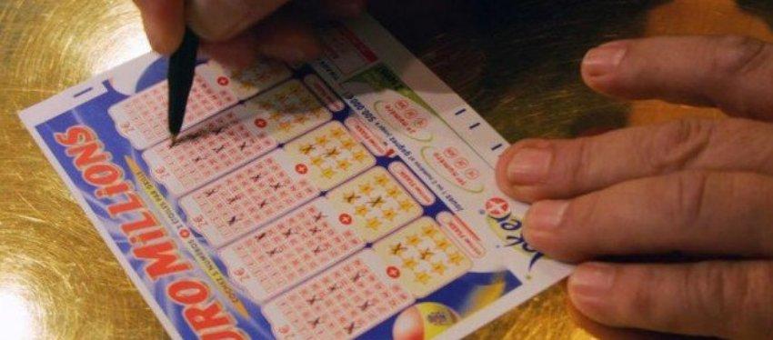 Cinco números y dos estrellas y la posibilidad de convertirte en Euromillonario. Foto: Twitter.