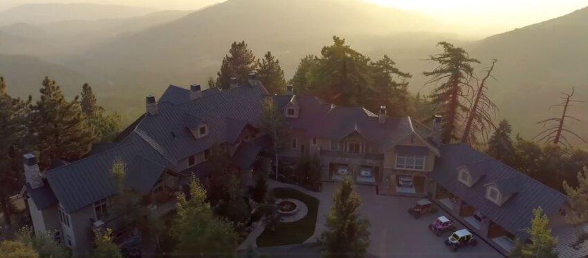Ganó 180 millones de dólares en la lotería y ahora quiere vender su mansión
