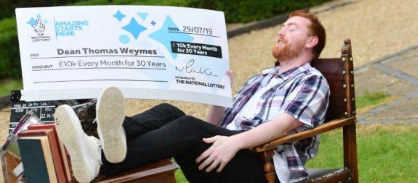 Gana la lotería y ahora quiere hacer su sueño realidad: convertirse en guionista de cine