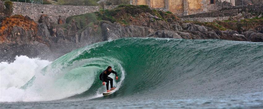 Mundaca es un paraíso para los amantes del surf