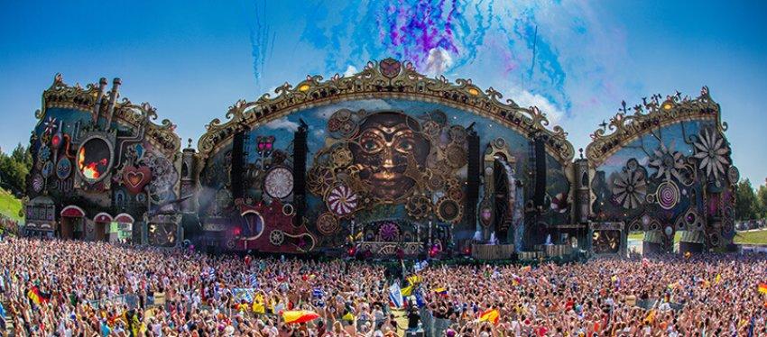 Unite with Tomorrowland, todo un espectáculo que se celebra en Barcelona.