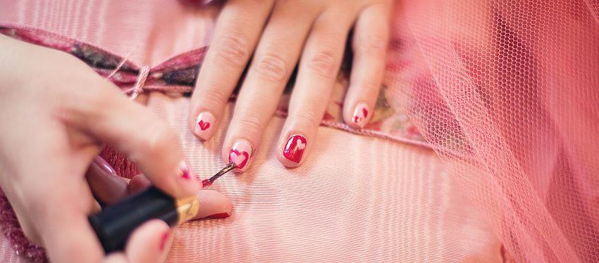 Alguna vez has conseguido que tu manicura dure intacta durante más de una semana sin utilizar lacas de uñas permanentes?