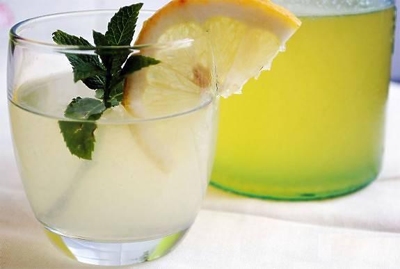 Limón, menta, jengibre y pepino para un vientre plano