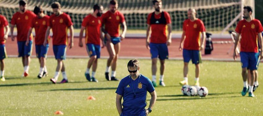 Lopetegui, en un entrenamiento con España   Foto: Twitter.