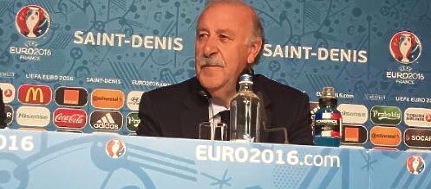 Rueda de prensa de Vicente del Bosque tras el partido contra Italia |Foto: Twitter