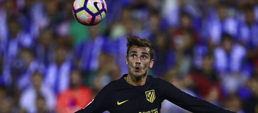 Griezmann disputa un balón en el partido frente al Leganés. Foto: As.
