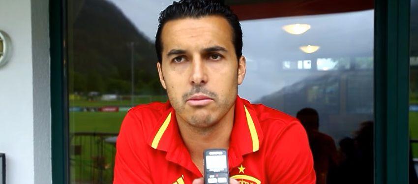 Pedro atiende a los medios en la concentración de la selección española. Foto: Youtube, Mundo Deportivo.