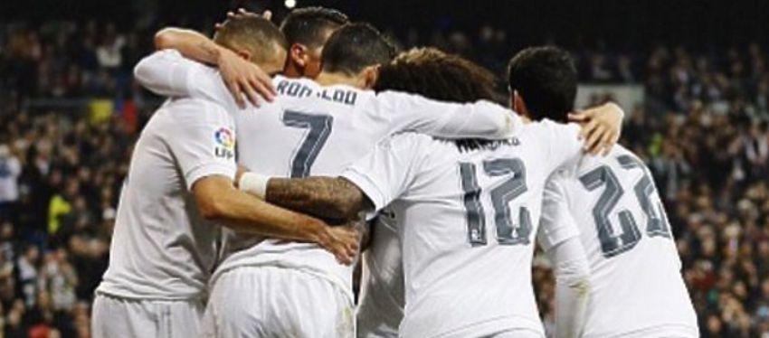 Los jugadores del Real Madrid se abrazan tras marcar un gol  Foto: Twitter