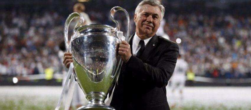 Ancelotti posa con la décima Liga de Campeones del Real Madrid. Foto: Twitter.