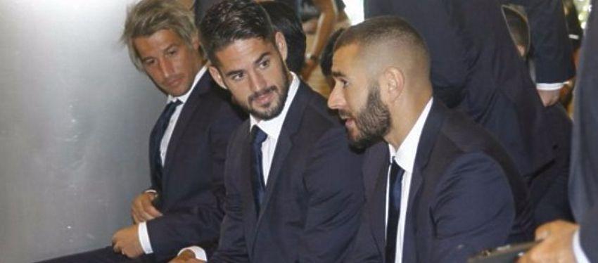 Isco, junto a Coentrao y Benzema en el acto celebrado en el Bernabéu. Foto: Twitter.