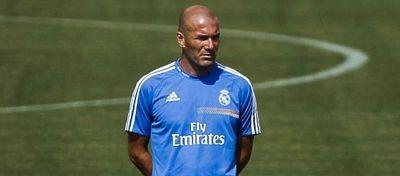 Zidane, en el entrenamiento del Real Madrid. Foto: @meridianotv.