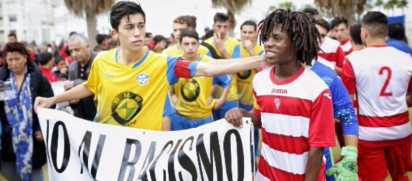 Etienne estuvo arropado en todo momento por amigos y rivales. Foto: @deportesddc.