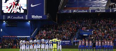 El Calderón brindó una calurosa despedida a Cléber Santana. Foto: @marca.