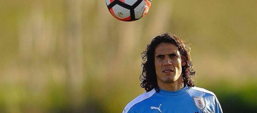 Cavani, en un entrenamiento con Uruguay. Foto: Instagram.