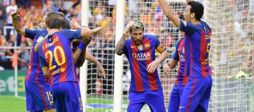 El botellazo a los jugadores del Barça en Mestalla aún sigue coleando. Foto: Twitter.