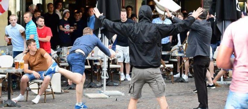 La oleada de violencia de los ultras rusos continúa en esta Eurocopa. Foto: El partido de las 12.