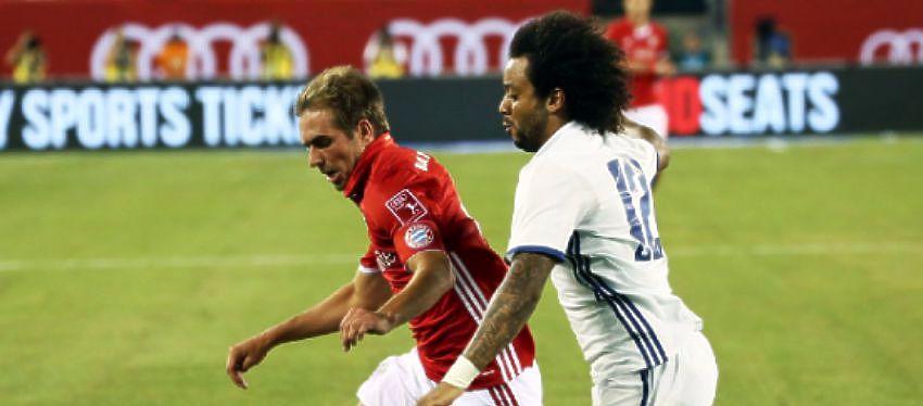 Marcelo intenta controlar el balón | Foto: @FCBayern