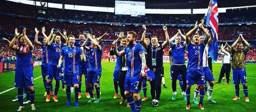 Islandia, una de las debutantes, celebra su clasificación para los octavos de final de la Eurocopa. Foto: @uefaeuro.