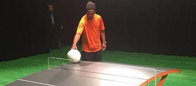 Ronaldinho espera que el teqball llegue a ser olímpico. Foto: @mktregistrado.