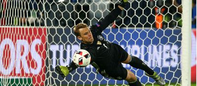 Manuel Neuer detuvo el penalti definitivo | @UEFAcom_de
