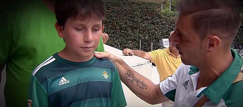 Pere Ribas pudo conocer a Joaquín horas antes del partido frente al Deportivo. Foto: Movistar Plus.
