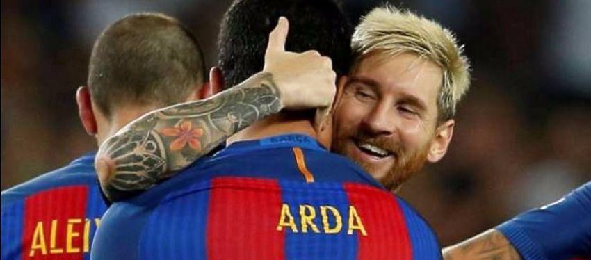 Messi celebra el gol de Arda Turan ante el Sevilla. Foto: Twitter.