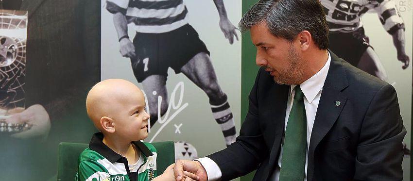 El pequeño Francisco fue presentado con el Sporting de Portugal por todo lo alto. Foto: Instagram.