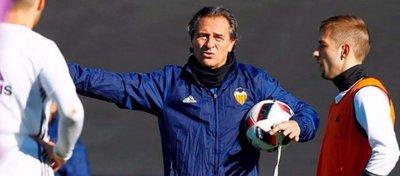 Cesare Prandelli presenta su dimisión