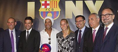 Raúl, junto a varios integrantes del Barça en Nueva York. Foto: Twitter.