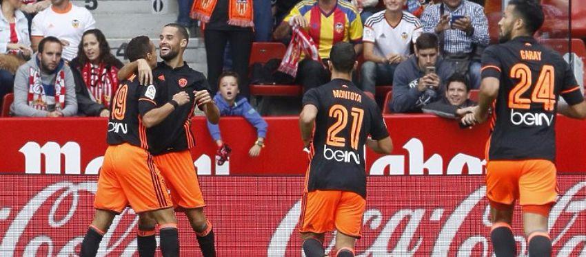 Mario Suárez celebra uno de los dos goles anotados en El Molinón. Foto: Marca TV.