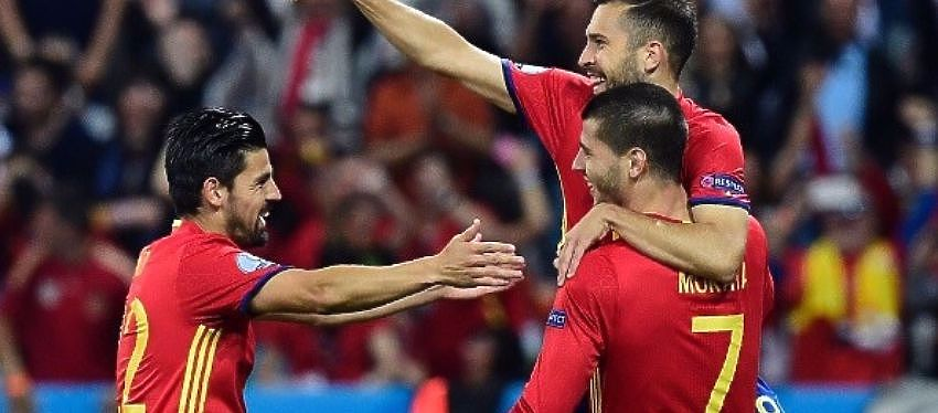 España afronta ante Italia su primera bola de partido de esta Eurocopa. Foto: Twitter.