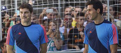 Casillas y Arbeloa, durante un evento publicitario. Foto: @tri_deportes.