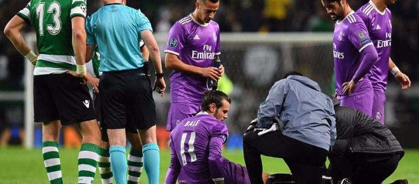 Gareth Bale se probó tras el golpe pero finalmente tuvo que abandonar el campo. Foto: Twitter.