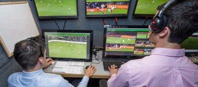 Un botón mal pulsado originó el error del VAR en el América-Madrid