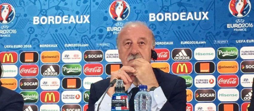 Vicente del Bosque durante la rueda de prensa | Foto: Twitter