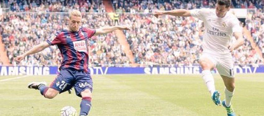 Sergio Gontán durante un partido contra el Real Madrid | Foto: @Keko_gontan