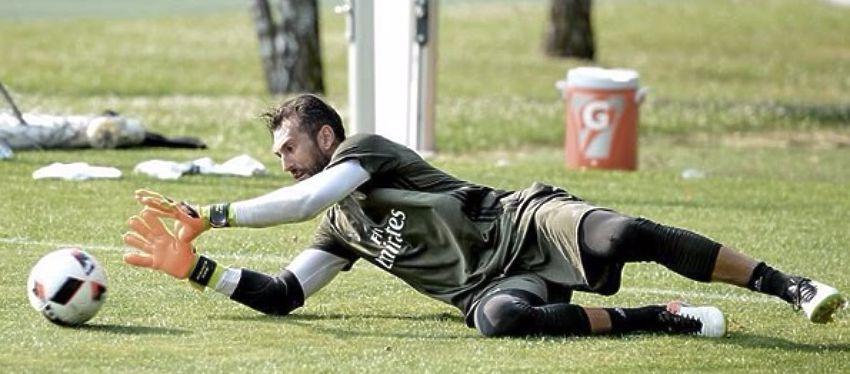 Diego López entrena con el Milan en pretemporada. Foto:Instagram.