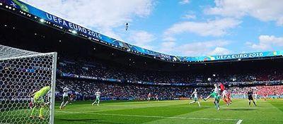El Parque de los Príncipes se llenó para vivir la clasificación de Gales a cuartos de final. Foto: @uefaeuro.