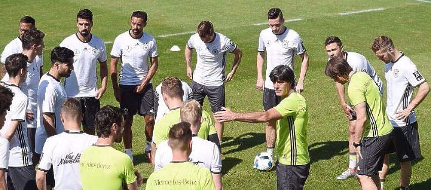 Selección alemana durante un entrenamiento   Foto: @Twitter