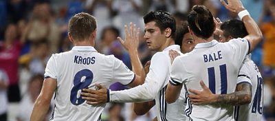 El Madrid celebra su victoria en el Trofeo Bernabéu. Foto: Twitter.