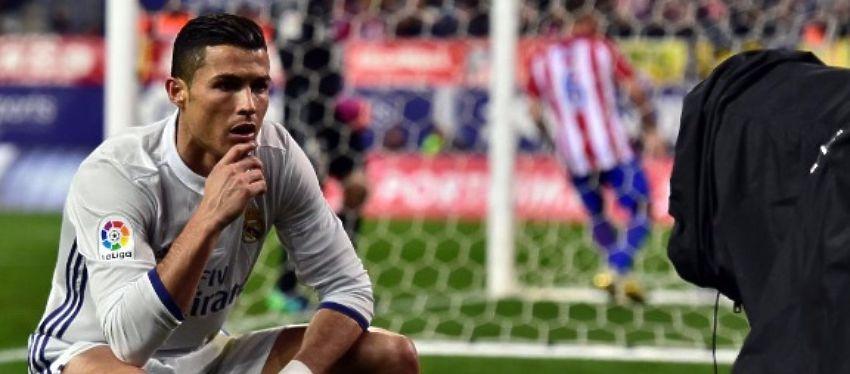 Cristiano Ronaldo está siendo más protagonista fuera del campo que con el balón en los pies. Foto: Twitter.
